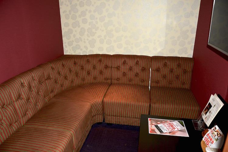 相席屋新宿東口店には、このような個室っぽいスペースもあります。