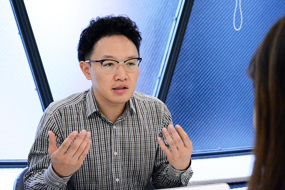 画像:偏差値78のAV男優・森林原人氏と見切れたすたん子(仮)